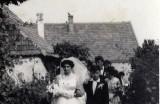 Svadba, pri dnešnom OcÚ, archív p. Kosáková