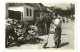 Dom pod slamou, Hoštáky, 1958 - 59