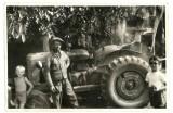 Otec alexander pri traktore, bratranci Ján Novák, Leonard Novák