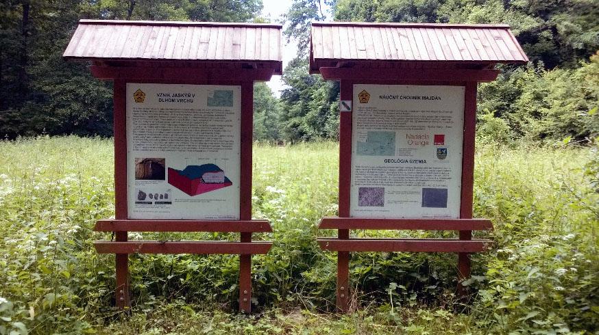 Obr. 1. Tabule budované z roku 2011 v rámci projektu SPP Spoločne, budú obnovené novým náterom v dňoch 6.-7.8.2016, zabezpečí Speleoklub TT (už hotové)